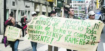 Javier Orozco manifestándose en Gijón
