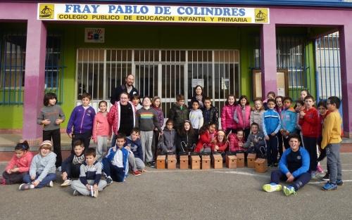 A principios de 2016 el Ayuntamiento de Colindres (Cantabria) y SEO/BirdLife han implicado a los escolares del municipio en la conservación de las aves urbanas mediante una serie de talleres de cajas-nido (Foto SEO/BirdLife)