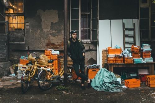 Trabajar en la economía sumergida - Foto Ermin Celikovic